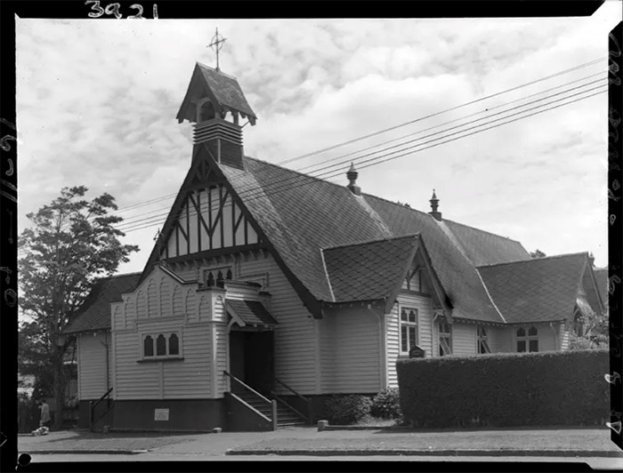 Historical photo of St George's Epsom church building